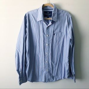 American Eagle Blue Striped Button Up Shirt Large